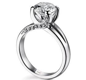 anello di fidanzamento con diamante - fotografo matrimonio lecce