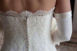 abito da sposa con pizzo corpino - Daniele Panareo Fotografo matrimoni a Lecce