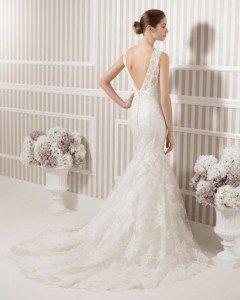 abito da sposa fiorito schiena a V o triangolo - Daniele Panareo fotografo Matrimonio Lecce