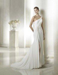 abito da sposa fiorito schiena monospalla - Daniele Panareo fotografo Matrimonio Lecce