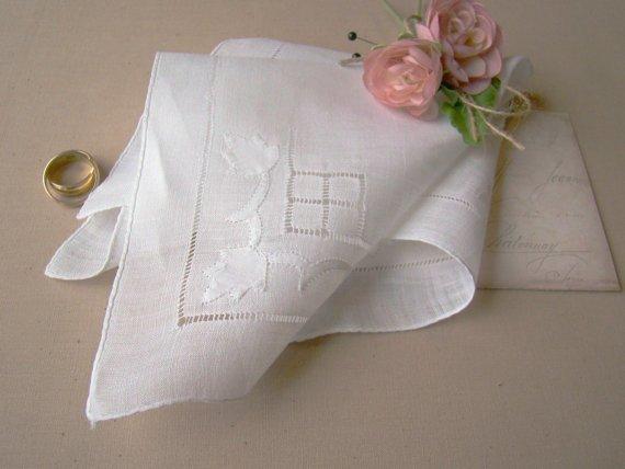 accessori matrimonio fazzoletto per commozione sposa - Daniele Panareo fotografo di matrimonio a Lecce