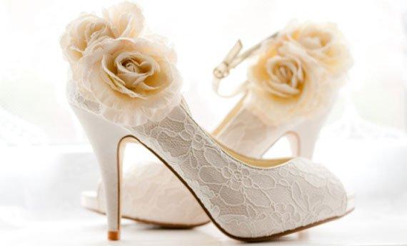 accessori sposa e le scarpe di pizzo - Daniele Panareo Fotografo Lecce