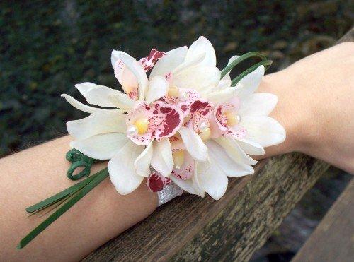 bouquet da polso sposa orchidee - Daniele Panareo fotografo di matrimoni a Lecce e provincia