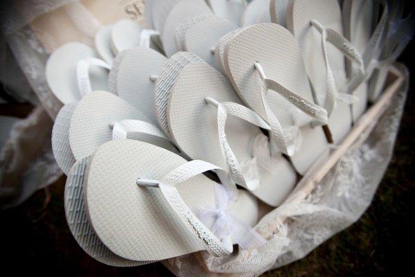 ciabatte mare matrimonio - Daniele Panareo fotografo di matrimonio a Lecce