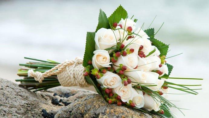 il bouquet della sposa stile nature - Daniele Panareo fotografo di matrimoni a Lecce e provincia