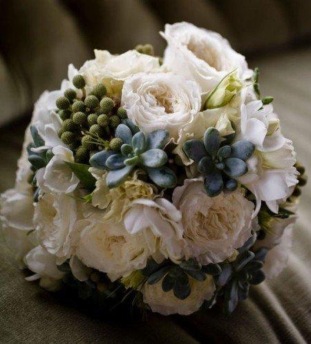 il bouquet sposa rose inglesi e bacche - Daniele Panareo fotografo di matrimoni a Lecce e provincia