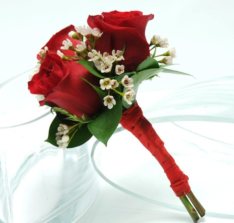 il bouquet sposa rose rosse - Daniele Panareo fotografo di matrimoni a Lecce e provincia