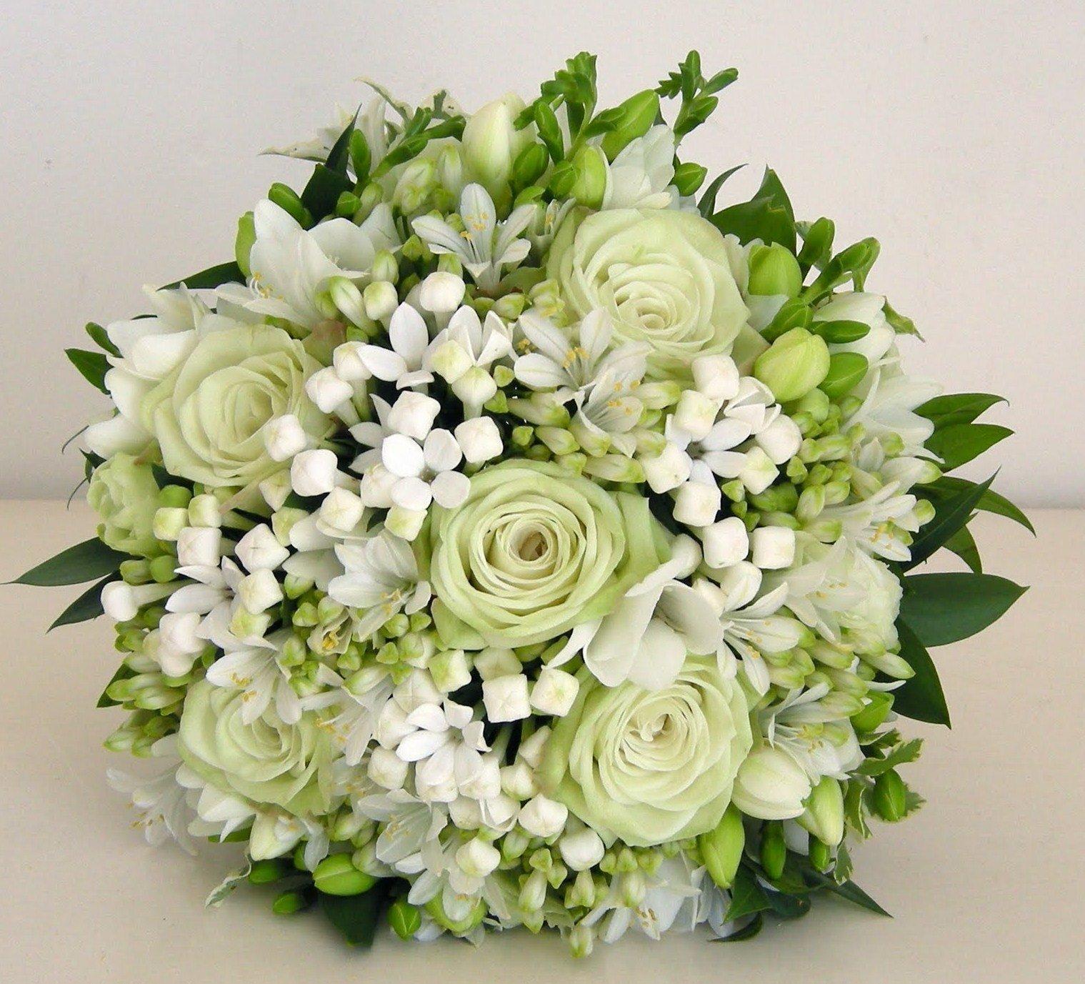Favoloso Bouquet sposa: un segno di stile e raffinatezza. Sceglierlo  LI88