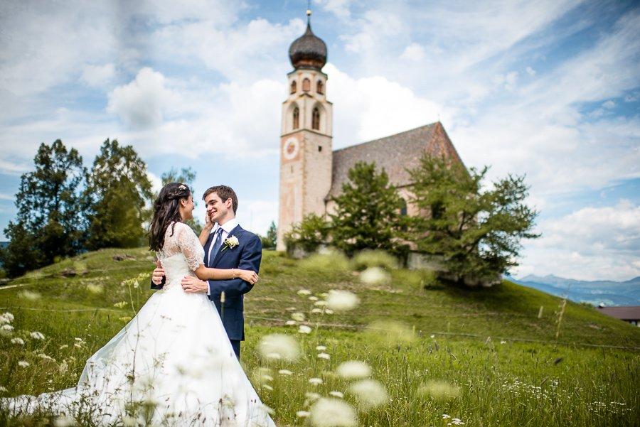 matrimonio in montagna sposi e vallata - Daniele Panareo fotografo