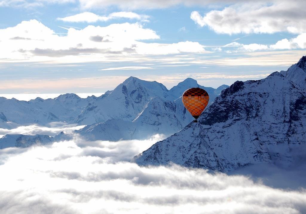 mongolfiera in montagna - Daniele Panareo fotografo
