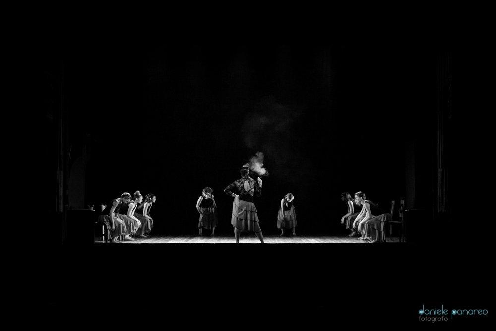 Spettacolo di danza Noi Carmen - Daniele Panareo fotografo Lecce (37)