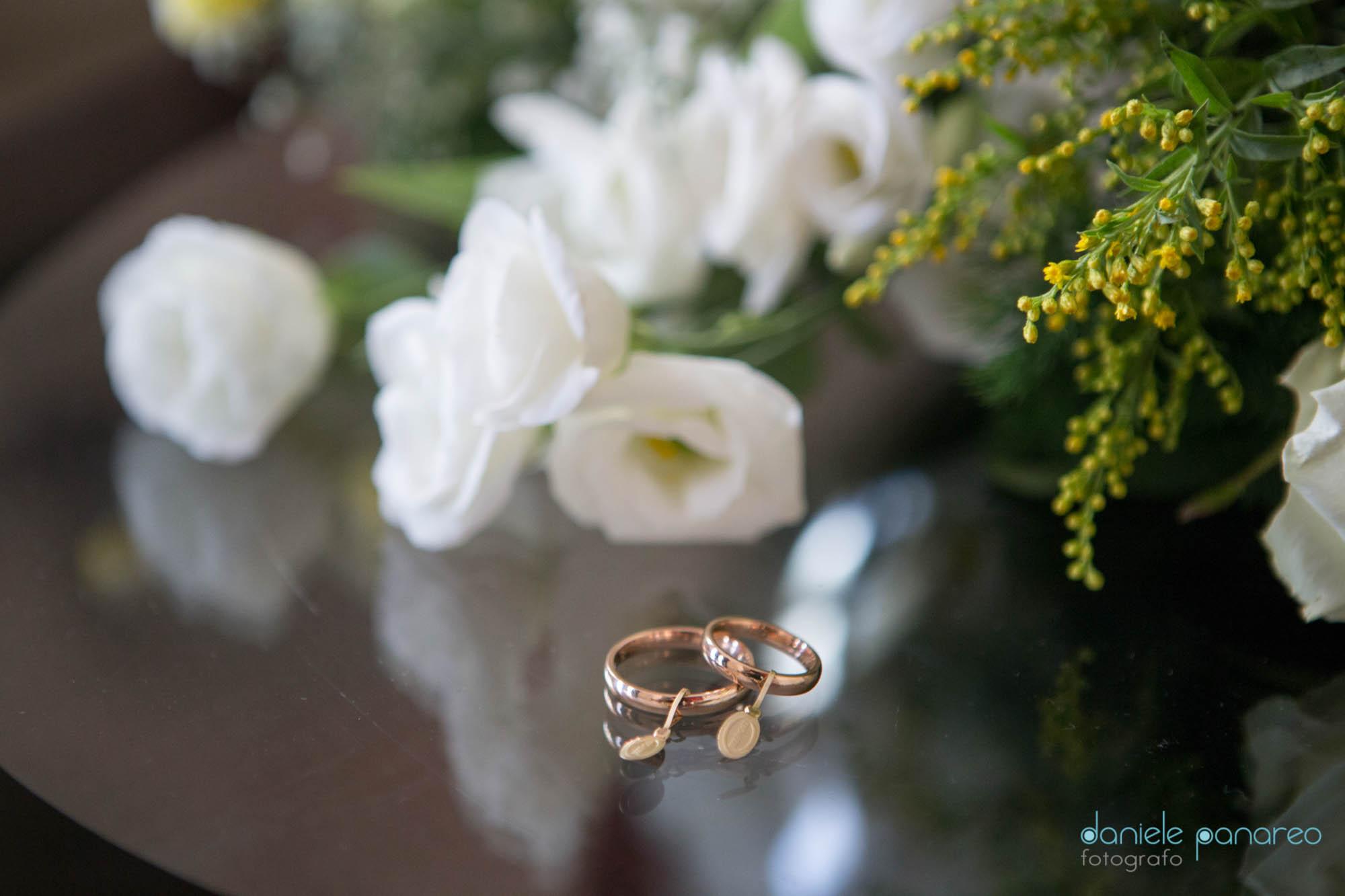 Fiori per matrimonio con fedi