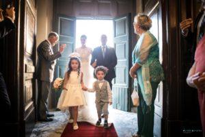 Ingresso della sopsa in chiesa nel reportage di matrimonio