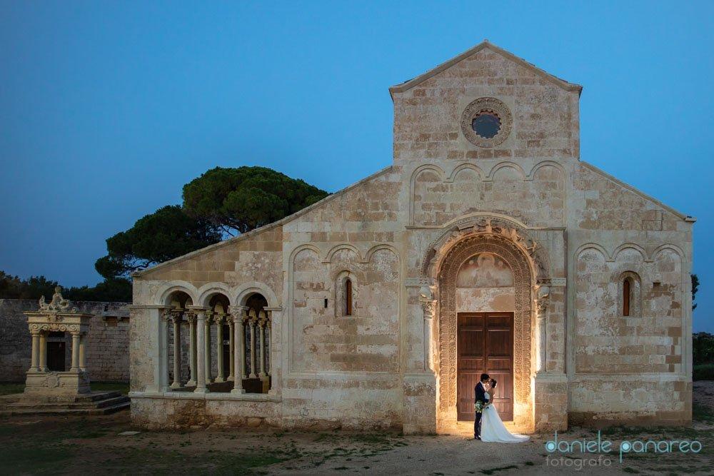 il flash nell'attrezzatura del fotografo di matrimonio